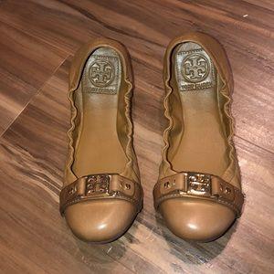 Tory Burch Flats Size 6.5. Beautiful tan color